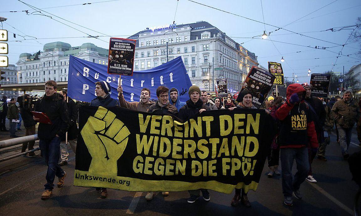 Demo Freitag Wien: Demo: 500 Demonstranten Fordern Pürstls Rücktritt