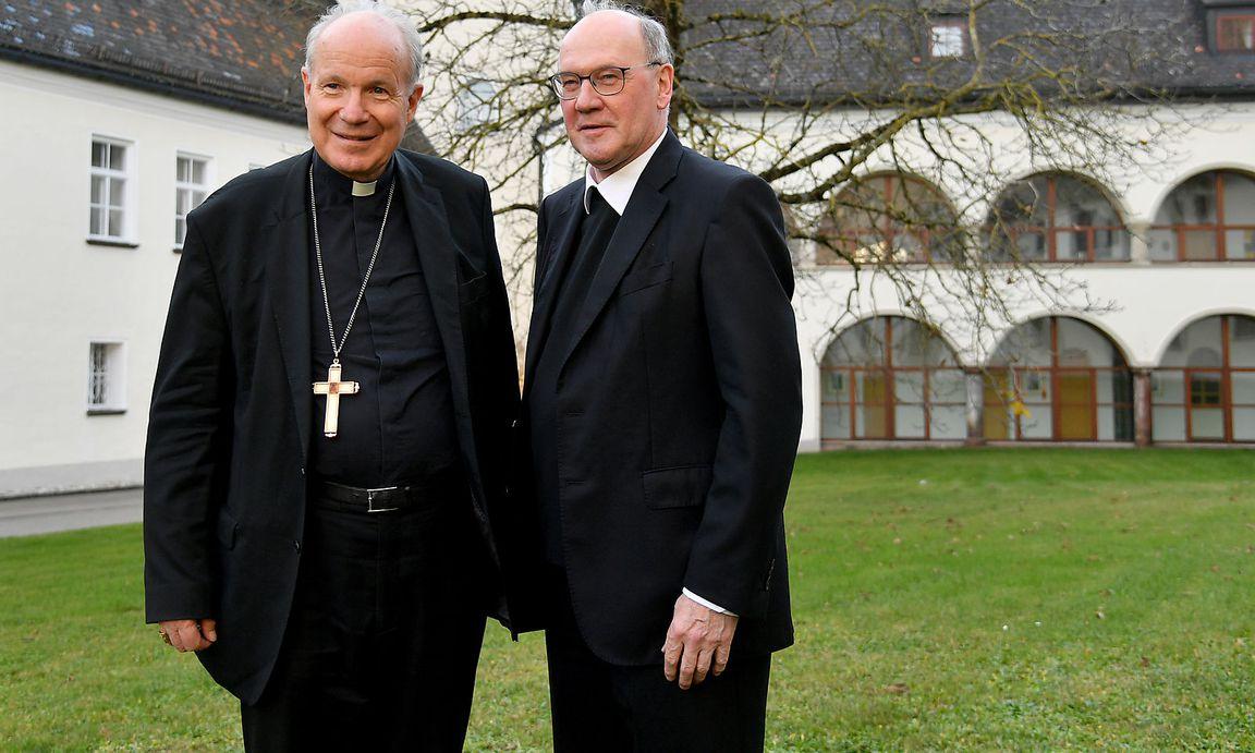 Schwarz (rechts) mit Kardinal Christoph Schönborn.