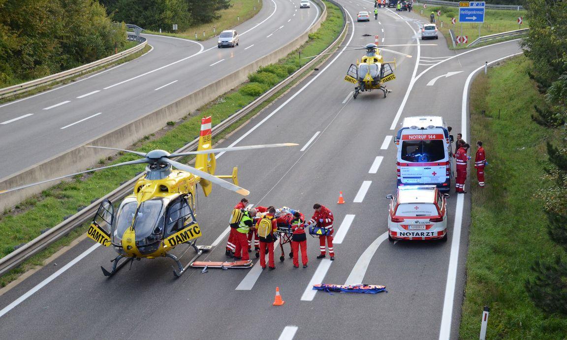 Mehrere Tote bei schwerem Autounfall auf A21 in Niederösterreich ...