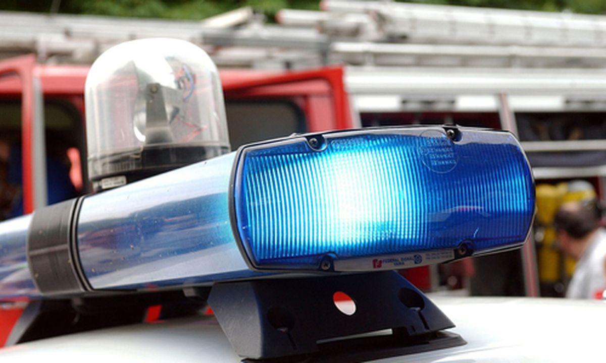 Anwalt datiert einen Polizisten