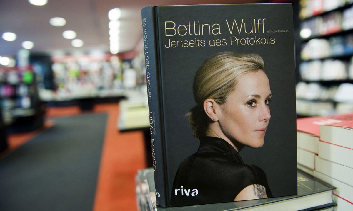bettina wulffs biografie ehre retten und kohle machen diepressecom - Bettina Wulff Lebenslauf