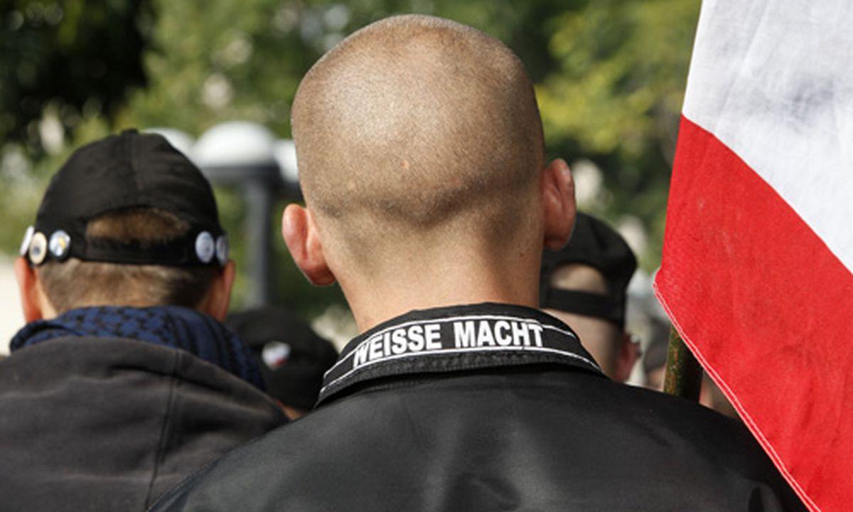 Der Nazis neue Kleider: Imageproblem \