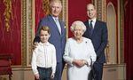 Prince George, Prince Charles, Queen Elizabeth und Prince William auf einem vom Buckingham Palast veröffentlichten Bild.
