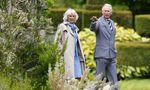 Prinz Charles und seine Frau Camilla beim Besuch von Mount Stewart House and Gardens in der Nähe von Newtownards.