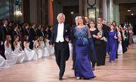 Der Einzug der Ehrengäste, angeführt von Reinhard und Karin Einwaller. / Bild: (c) Jana Madzigon
