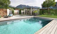 Manche Wasserliebhaber werden auch mit der klassischen Variante glücklich. / Bild: (c) Biotop Pools