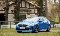 Kompaktklasse nach Münchner Premium-Façon: Der BMW 1er reicht preislich schon als gut ausgestatteter 118d mit Frontantrieb dorthin, wo früher der 3er war.