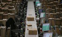 Vor Weihnachten steigt das Paketaufkommen in den Amazon-Verteilzentren stark an (Archivbild aus einem britischen Verteilerzentrum).