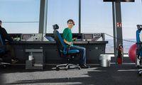 Viveka Waechte Fluglotsin Portrait Sonntag Flughafen Wien by Akos Burg