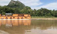 Die bewaldeten Mekong-Ufer scheinen streckenweise fast menschenleer.