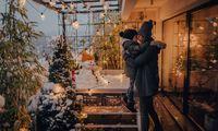 Mit wetterfestem Mobiliar, passenden Pflanzen und heimeligem Licht lässt sich der Freiraum auch im Winter nutzen. Nur der Schnee ist nicht so berechenbar.