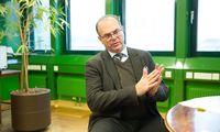 Verkehrsminister Andreas Reichhardt sorgt für allerlei Beförderungen.