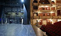 Das Volkstheater wird saniert.