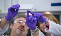 Wissenschaftler im Labor der Hamburger Evotec. Auch die Aktie des Unternehmens ist nun wieder einen Blick wert.