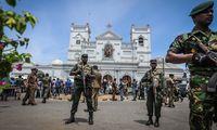 Sicherheitskräfte vor der angegriffenen St.-Antonius-Kirche in Sri Lankas Hauptstadt Colombo.