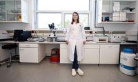 Zellkulturen und Chemie statt Versuchskaninchen und Laborratten, das ist das Ziel von Elisabeth Mertls Forschung.