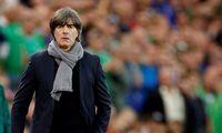 """Joachim Löw ist mit dem DFB-Team auf dem Weg zur Euro 2020. Er selbst hält den Titelgewinn für """"eher unwahrscheinlich""""."""