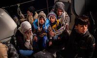 """Die konservative Regierung in Athen, seit Juli im Amt, will nun die heillos überfüllten Flüchtlingslager auf Lesbos, Chios, Leros und Kos durch geschlossene """"Abflugs- und Identifikationszentren"""" ersetzen."""