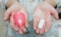 Tasse oder Tampon? Beide Monatshygieneprodukte haben ihre Anhängerinnen.