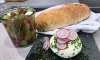 Buttermilch-Frischkäse mit Weintrauben