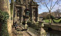 Erste Sonnenstrahlen im Jardin du Luxembourg.