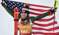 Längst ein Fotoklassiker bei Weltmeisterschaften: Mikaela Shiffrin, ihr Siegerlächeln und Stars and Stripes.