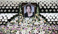 Ein Altar für die Sängerin - im Krankenhaus in Seoul.