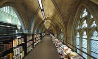 Buchladen, Kaffeehaus, Kirche: Boekhandel Dominicanen in Maastricht.