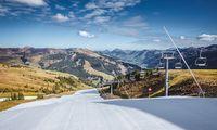 Ski fahren im T-Shirt: Mitte Oktober eröffnete man in Kitzbühel die erste Piste am Resterkogel, zwei Wochen später eine weitere am Hahnenkamm.