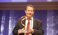 Wolfgang Kern, Gewinner in der Kategorie Forschung, möchte mit seiner Arbeit dem Kunststoff ein positiveres Image verleihen.