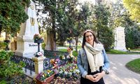 Kennt den Zentralfriedhof und einige seiner Toten: Gabi Saeidi zwischen Beethoven und Schubert.