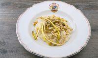 Gorgonzola-Risotto mit karamellisiertem Löwenzahn