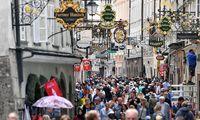 ++ THEMENBILD ++ SALZBURG: TOURISTEN / TOURISMUS / GAeSTE