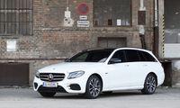 eine grünen Kennzeichen, ist ja auch nur Teilzeit-Elektriker: Plug-in-Hybrid Mercedes E 300 de als T-Modell mit Vierzylinder-Diesel.