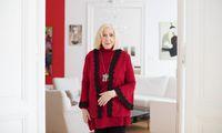 Die in den USA lebende Frauenrechtlerin Erika Freeman in ihrer Wiener Wohnung.