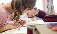 Ineffizientes Bildungssystem: Spitzenreiter bei den Kosten, Mittelmaß beim Ergebnis.