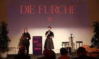 Furche-Geschäftsführerin Nicole Schwarzenbrunner mit Chefredakteurin Doris Helmberger-Fleckl (von links).