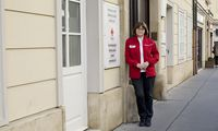 Monika Stickler ist seit knapp zehn Jahren Mitglied der Krisenintervention des Roten Kreuzes Wien, das 1999 nach dem Grubenunglück von Lassing und der Lawinenkatastrophe von Galtür ins Leben gerufen wurde.