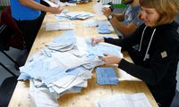 Ein Bild von den Auszählungen der Parlamentswahl in Zürich. So viele Frauen wie noch nie standen auf den Listen.