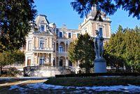 Villenbauten des 19.Jahrhunderts wie die Hermesvilla im Wiener Lainzer Tiergarten sollen in den nächsten Jahren verstärkt unter Denkmalschutz gestellt werden.