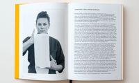 Seiten. Die Bildsprache ungewöhnlich, die Angaben ausführlich – gestaltet von den Schwestern Anna und Catherine Pearson.