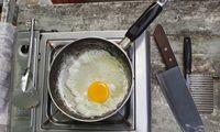 Ei in einer Pfanne