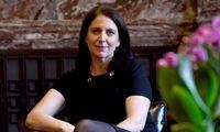 """Luisa Kroll erstellt die """"Forbes""""-Milliardärslisten."""