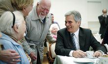 Faymann besuchte Caritas-Pflegeheim