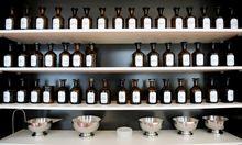 Arzneien gehören nicht in Supermarktregale, meint die Apothekerkammer.