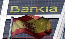FILE SPAIN ECONOMY EU BANKS