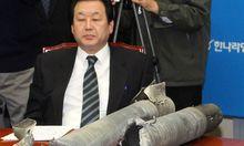 Parteichef verwechselt Thermosflaschen mit Granaten