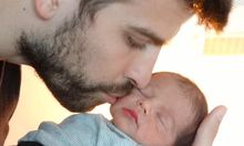 Shakira und Pique präsentieren ihr Baby