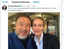 Alice Weidels Selfie mit Ai Weiwei / Bild: Screenshot