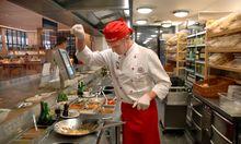 Koch in einer Vapiano Filiale in Bonn